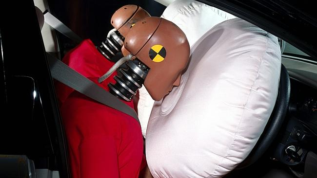 Ремни пристегнуты, подушка безопасности сработала
